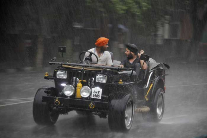 https://campusghanta.com/wp-content/uploads/2019/06/1561402612_528_33-Monsoon-Images-From-India-That'll-Make-Your-Day.jpg