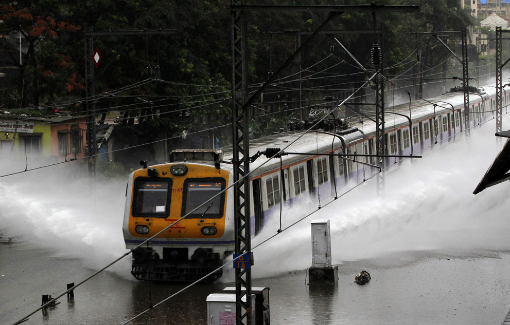 https://campusghanta.com/wp-content/uploads/2019/06/1561402640_983_33-Monsoon-Images-From-India-That'll-Make-Your-Day.jpg